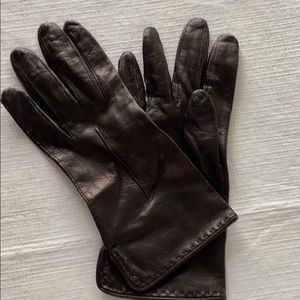 Perfect fall leather gloves